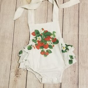 New! Strawberry bubble w ruffled butt 18/24 months